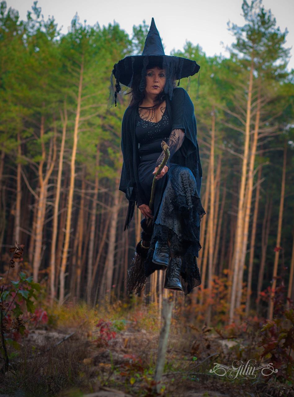 witch19